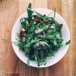 Салат из рукколы с грибами