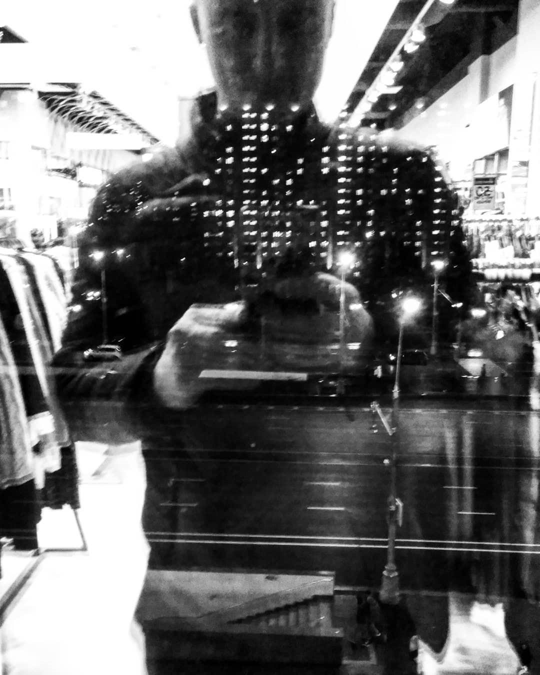 В поисках фотографии (в торговых центрах)