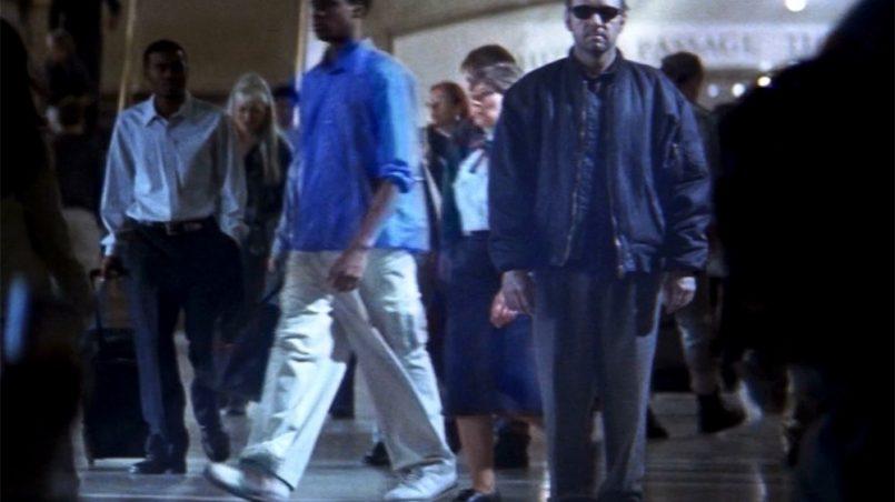 Как я мог пропустить этот фильм в 2001 году? Самый шедевральный фильм, который я смотрел за последнее время.